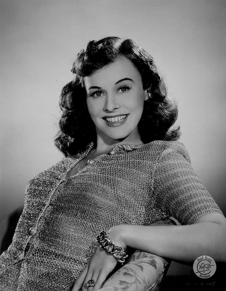 Paulette Goddard | Copyright © 2017 The Ned Scott Archive. All Rights Reserved.