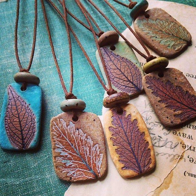 Rustikale Keramikhalsketten von Kylie Parry Studio…