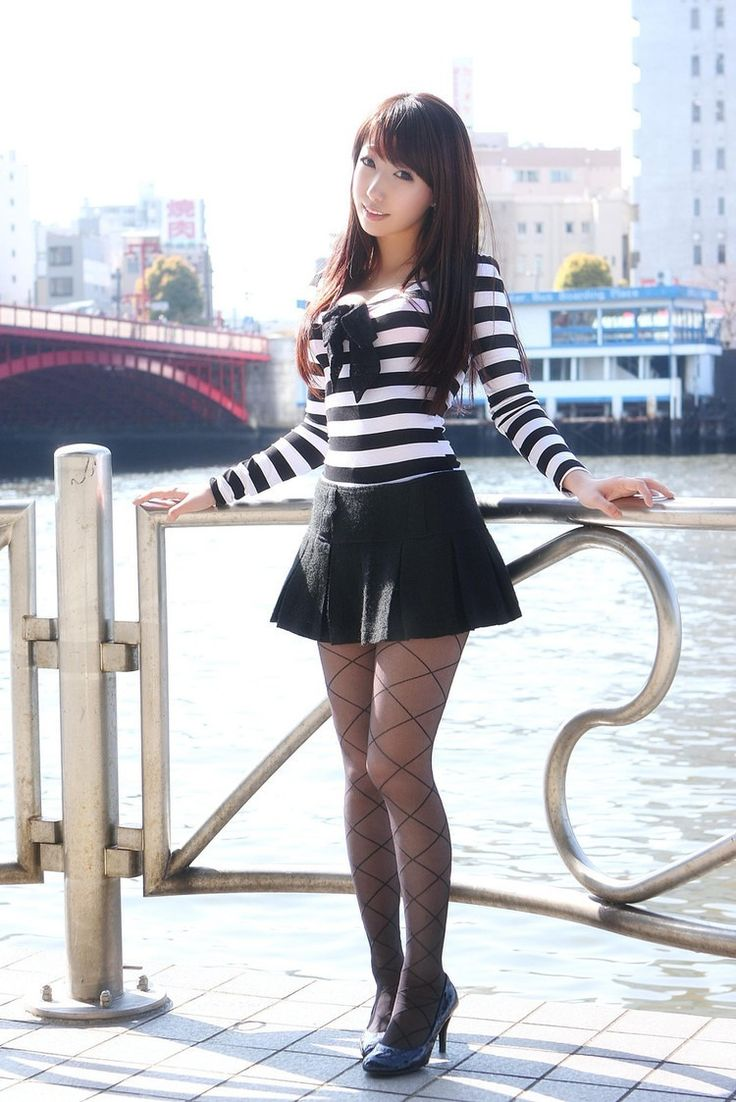 Hot asians in short skirts