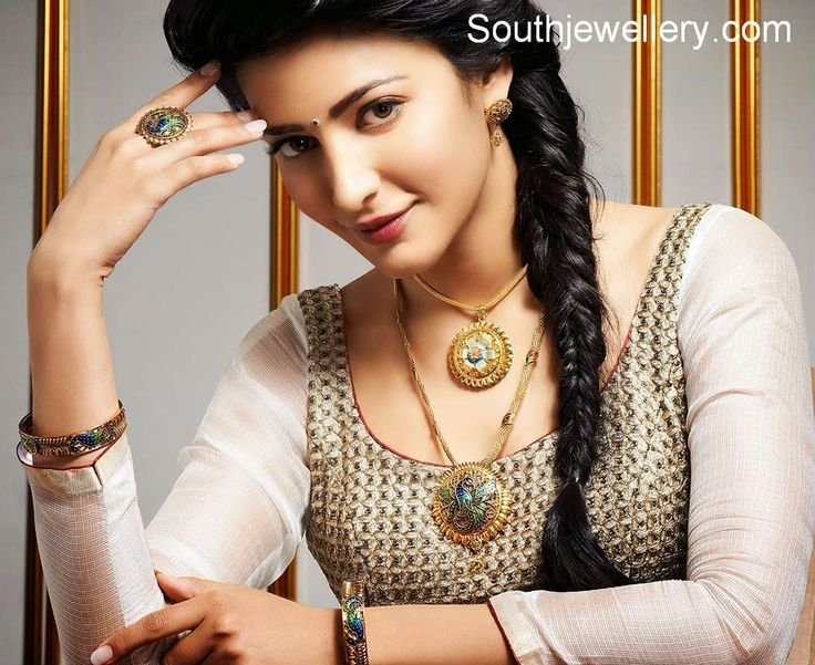 Shruti Hassan in Antique Peacock Jewellery