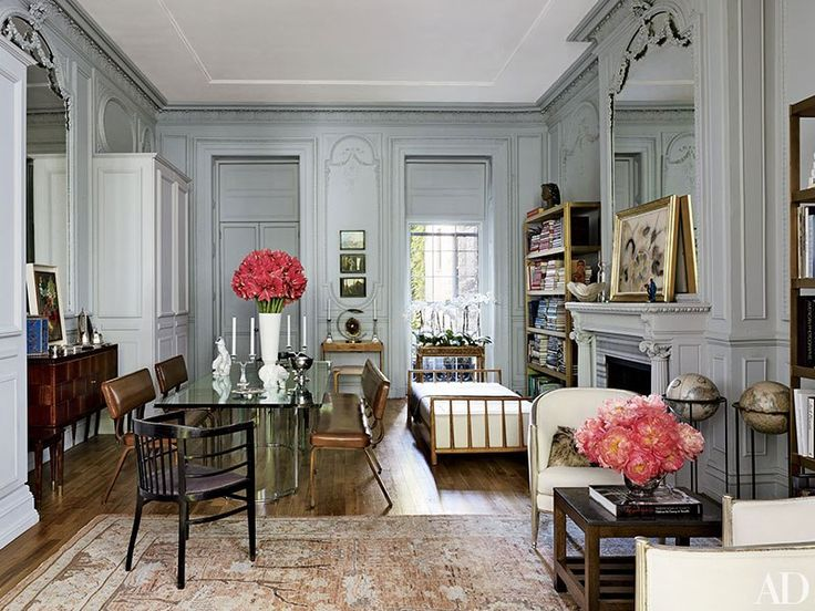 Isaac Mizrahi's Greenwich Village home channels the designer's trademark flairJust outside Miami, Dee and Tommy Hilfiger and designer Martyn Lawrence Bullard build a polychrome palaceEntrepreneurial exuberance meets personal style at Tory Burch's Manhattan officeFashion-and-jewelry designer Veronica Toub's Paris pied-à-terre is a deeply personal album of her wide-ranging passions