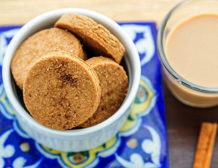 Μπισκότα με τζίντζερ και κανέλα χωρίς ζάχαρη