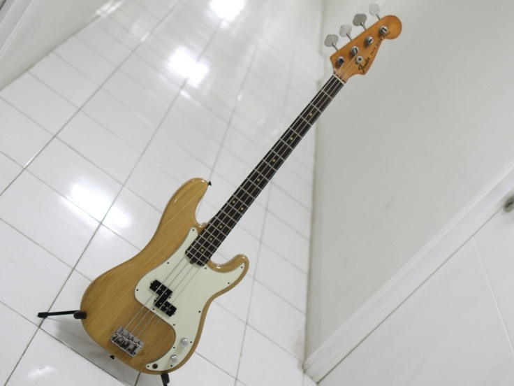 Fender Precision Bass 1977   12jt