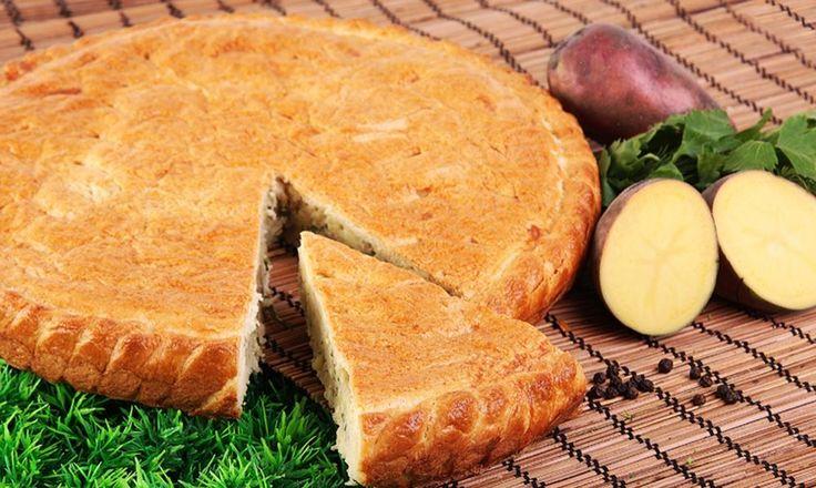 Слоеный пирог с картофелем и мясом http://chert-poberi.ru/interestnoe/sloenyj-pirog-s-kartofelem-i-myasom.html