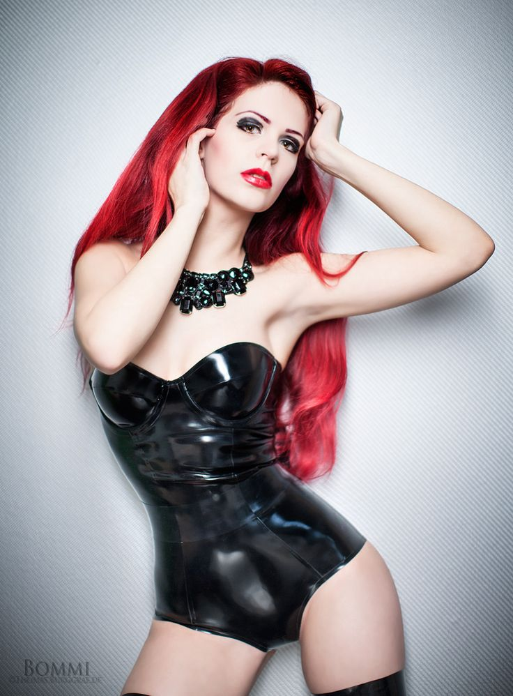 www.kinkyparadise.nl: Fashion, Redheads Girls, Latex, Fetish, Pinup, Hair, Leather, Lizzy Meow, Shiny