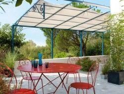 un salon de jardin en fer rouillé repeint avec la peinture fer Idéco V33