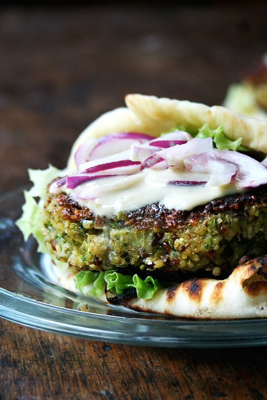 chickpea & quinoa veggie burgers (with tahini sauce). These sound fantastic & are so simple to make! #vegan #quinoa