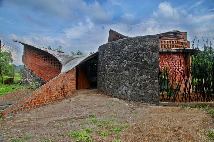 Brick House By I Studio Architecture In Wada India Near