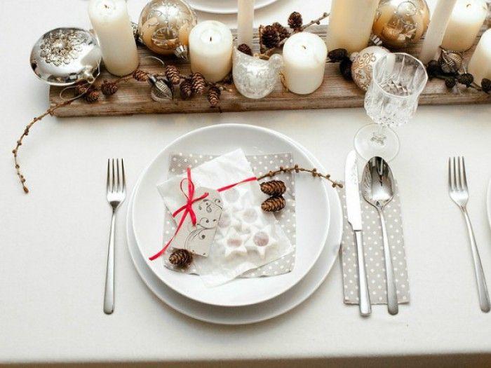 Mooi gedekte tafel voor kerst