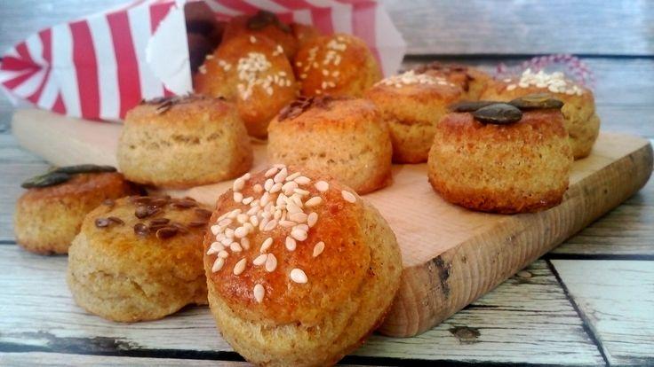 Diétás túrós pogácsa zabpehelylisztből, élesztő nélkül! Sütőporos zabos túrós pogácsa, ami diétás reggelire tökéletes!