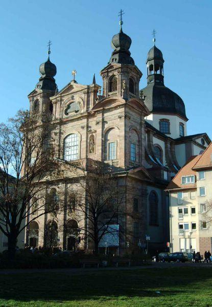 Jesuitenkirche in Mannheim: Nur eine von zahlreichen Sehenswürdigkeiten für eine Städtereise oder einen Kurztrip