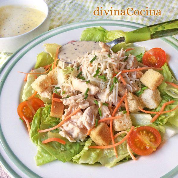 Esta ensalada de pollo a la mostaza es una idea fácil para montar un plato completo y sabroso al momento. La vinagreta de mostaza es sencilla.
