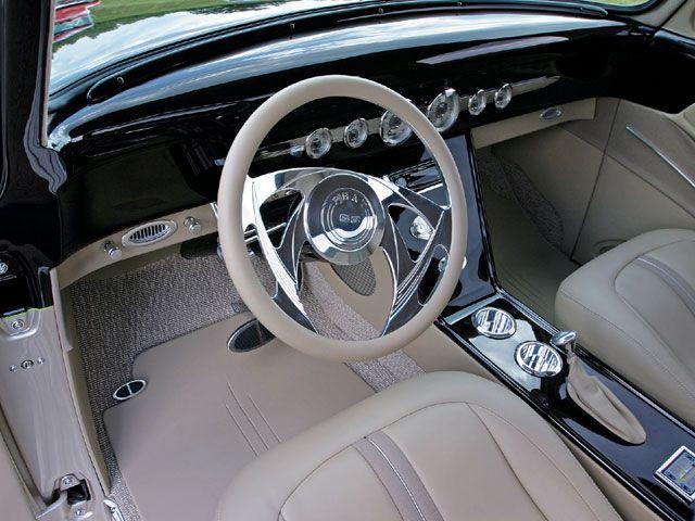 Проверить эту 1953 Форд выключателей f100 с двигателем 351 Ford и заготовки специальностей руль, представленный в 2007 декабрьского выпуска журнала пользовательские классические Грузовики.