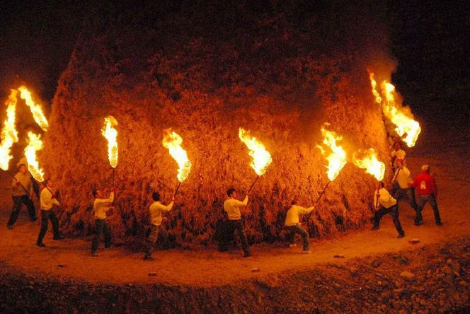 italianways:  The Rocca San Casciano bonfires.  (via italian ways)