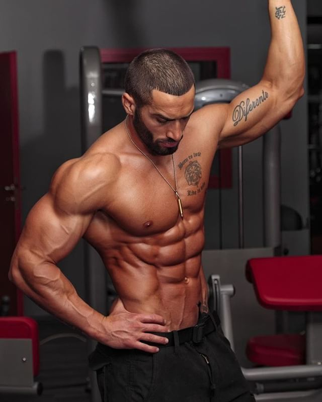 He Doesn T Even Look Real Homens Fitness Exercícios
