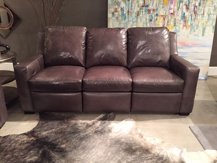Connery reclining sofa by bradington young leather for Sofa exterior reclinable