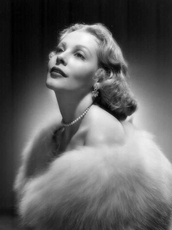 Arlene Dahl -- so glam