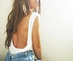 open!Summer Skin, Hair Colors, Summer Looks, Flower Design, Summer Glow, Jeans Shorts, Summer Tops, Open Back, High Waist Shorts