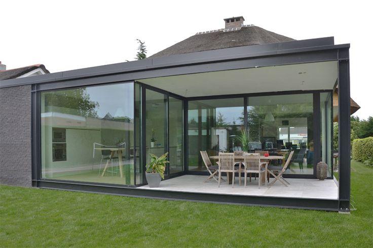 achtergevel harmonieus contrast staal zwart wit overdekt terras hvh-architecten