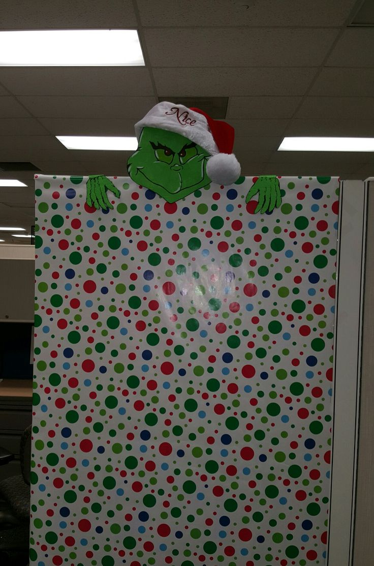 Best 25 cubicle makeover ideas on pinterest office for Cubicle decoration xmas