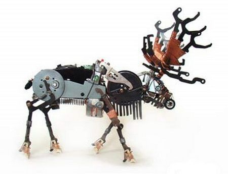 Animal sculptures from recycled electronics parts