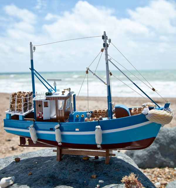 16 best images about boats on pinterest boats fishing for Garden design trawler boat