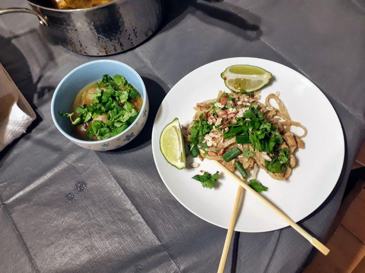 [4608 x 3456] [OC] [Homemade] Chicken pad thai with tom yum gai