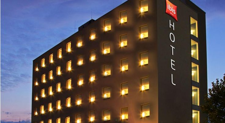 ibis Hotel Friedrichshafen Airport Messe Friedrichshafen This 3-star hotel offers modern accommodation directly at Bodensee Airport and near the Friedrichshafen Exhibition Centre. It offers a 24-hour reception and is 3 km from Lake Constance.
