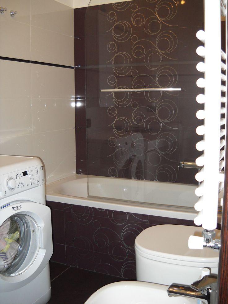 Il mio bagno dato che stretto e lungo fotografarlo - Armadietti per il bagno ...