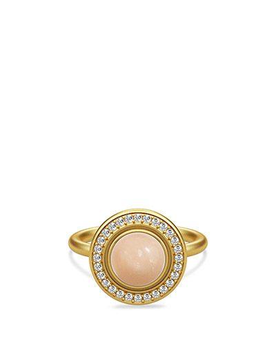 Køb Julie Sandlau Moon Goddess Ring - Gold (Peach) hos Boozt.com. Vi har et stort sortiment fra alle de førende mærker og leverer til dig indenfor 1-2 dage.