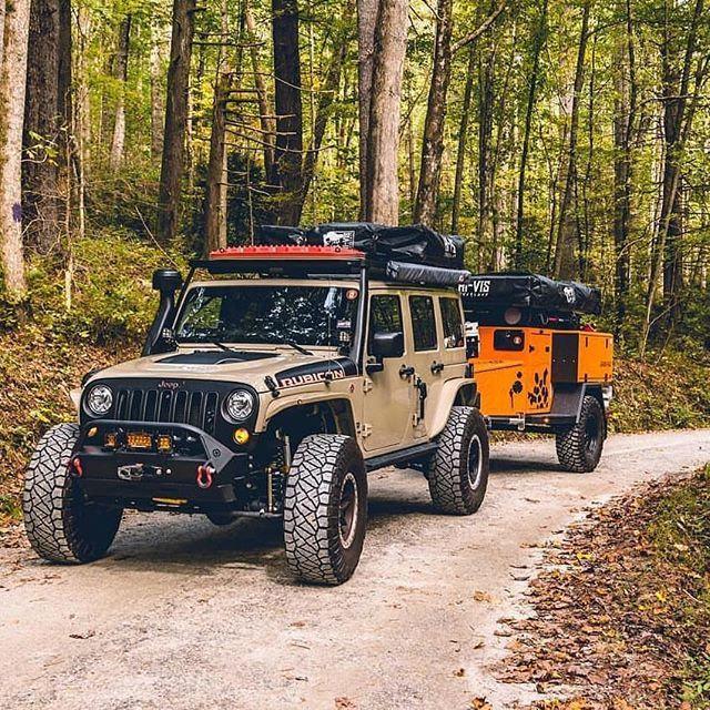 Ready For Offroad This Setup Has Everything You Need The Crag 4 Person Roof Top Tent From Hi Vis Overland Jeep Wrangler Camper Jeep Camping Jeep Wrangler