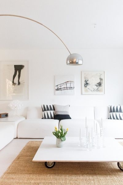 olohuone,olohuoneen pöytä,sohva,valkoinen sohva,marimekko