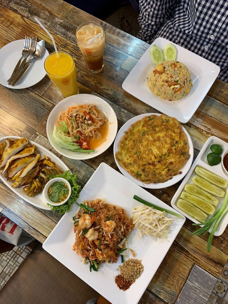 Bangkok Halal Food Guide 23 Must Try Eateries Near The Best Shopping Spots Halal Recipes Food Guide Food