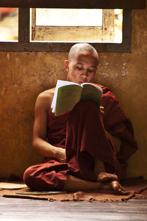 Jeunesse et sagesse s'accordent aux pays des moines thibétains...