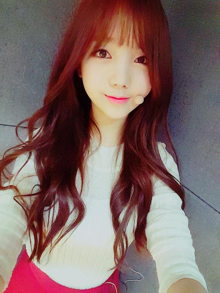 [#Kei] 안녕하세용~~♡ 꽃케이에요~^^ 오늘 인기가요 본방사수 다들 아시죠~? 상큼열매 터지는 무대 기대하셔도 좋습니다!! Hug me 무대도 기대해주세요~!