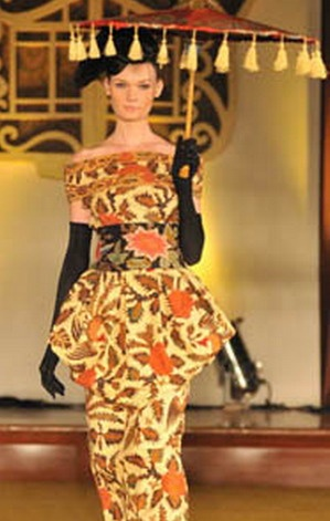 Beautiful dress of Iwan Tirta