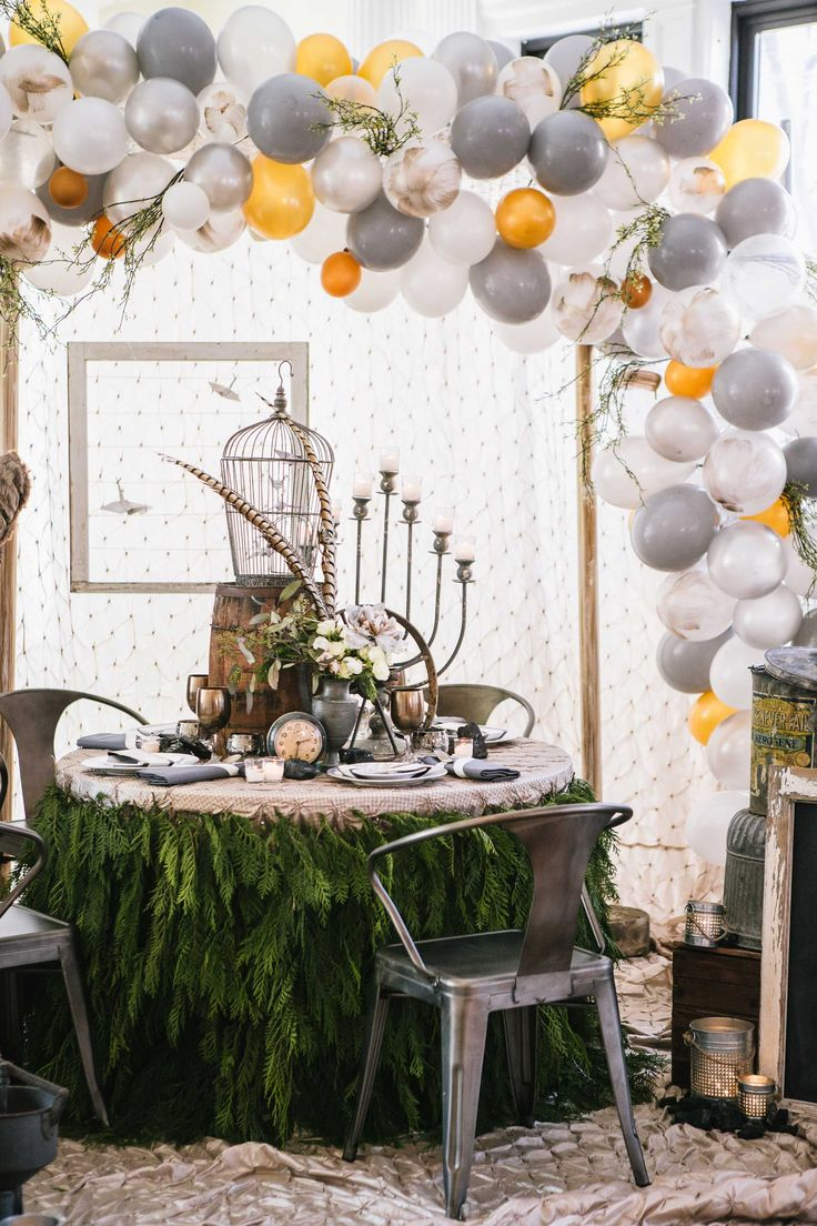 Dinner by Design Event / Table by DPNAK Weddings with Allium Design, Photo by Michael Pangilinan Photography #balloonarch DIY Balloon No Helium