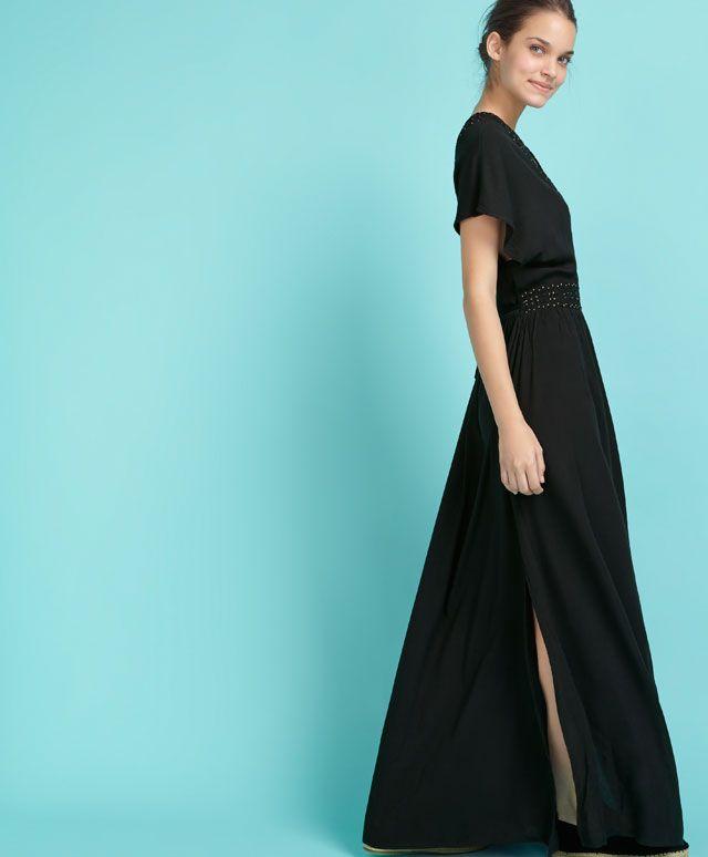 Robe encolure brodée - OYSHO 49,99€