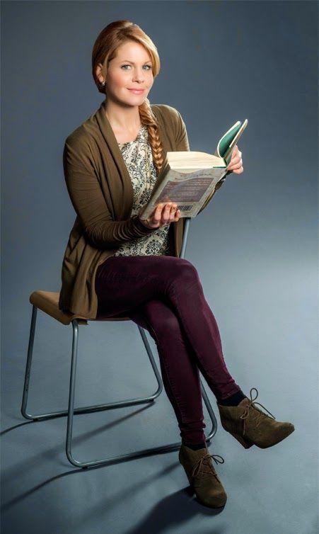 "Candace Cameron Bure stars in ""A Bone to Pick, An Aurora Teagarden Mystery"""