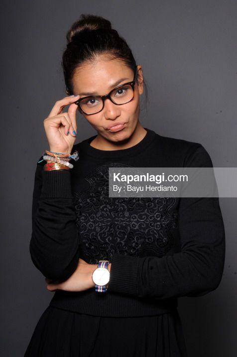 Meski sempat dianggap sama dengan karakter Carmen, Adinia Wirasti mampu lepas dan mengeksplor berbagai peran lainnya © KapanLagi.com/Bayu Herdianto