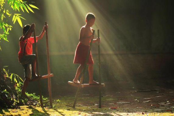 Enggrang permainan tradisional indonesia #indonesian #culture