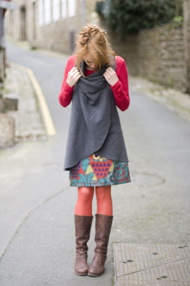 oh yes the top over a patterned skirt!