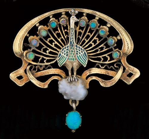 PROF. KARL ROTHMÜLLE 1860-1930 Gründung der Goldschmiedewerkstatt in München, Peacock Brooch Gilded silver Enamel Opal Pearl