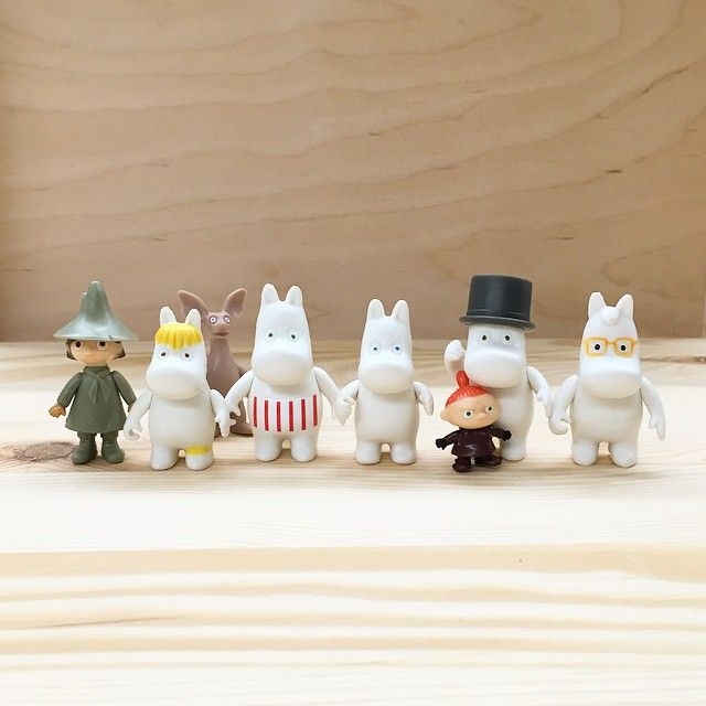 Xmas gift idea: Set of Moomin figurines! Loads of Moomin goodies just flown in from Finland, just in time for Xmas.