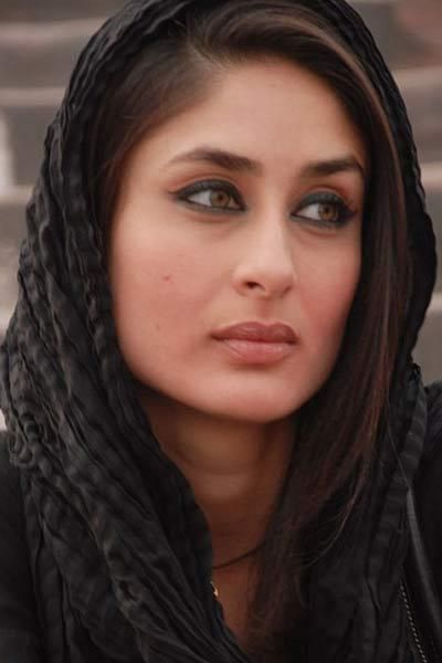 Kareena sported this look in Kurbaan - bollywoodshaadis.com