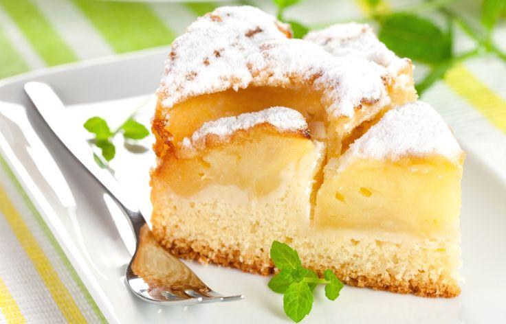 Iugoslavia nu mai exista asa cum o stiam la finele anilor 90, insa prajitura asta inca se prepara! Cremoasa, aromata si exact atat cat trebuie de dulce. Uite cat de usor prepari prajitura iugoslava cu un strat generos de mere cu crema de vanilie.