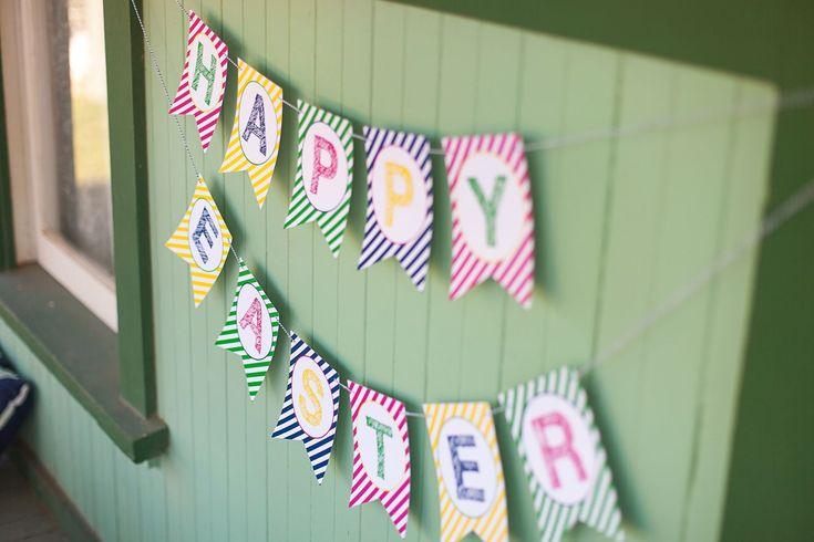 Free Printable Happy Easter Banner ::  The TomKat Studio for HGTV http://www.thetomkatstudio.com/eastercupcakeflags/ #easter