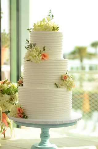 peach and white wedding cake and white wedding cake flowers weddingcakeflowers 18136