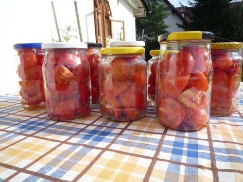 Jak zavařit rajčata, abyste je měli v zimě po ruce? – Pěstuj zeleninu