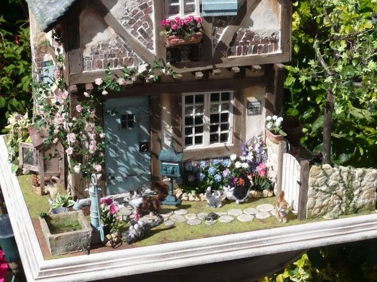 384 best DOLLHOUSE GARDENS-1 images on Pinterest   Doll houses ...